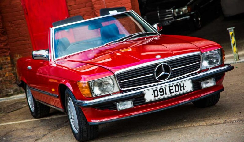 Mercedes W107 SL500 Red full